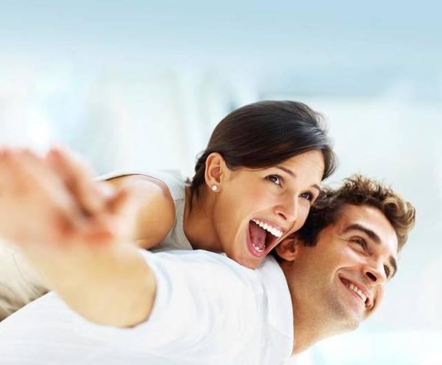 Få flotte, hvide tænder med BeconfiDent