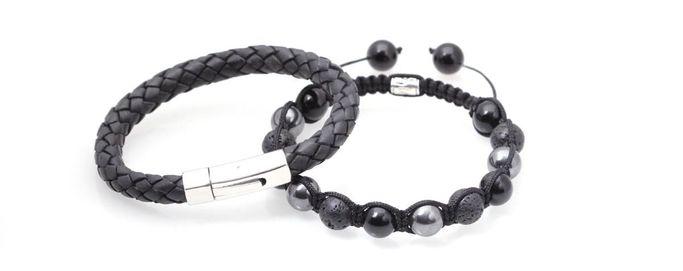 Find armbånd lavet ud af læder hos Marjoe
