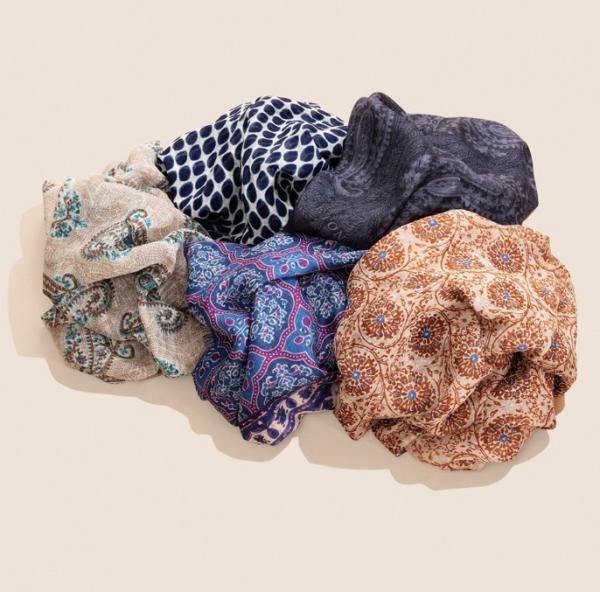 Tørklæder fra Eton.