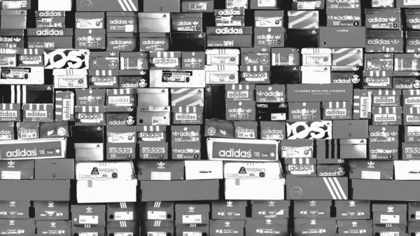 Produkter fra adidas-.