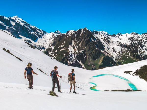 Bergfreunde har alt til vandreturen både sommer og vinter.