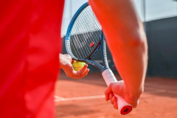 Tennisudstyr fra Smashinn.