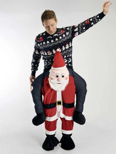 Når julemanden bliver det bærende element i outfittet ...